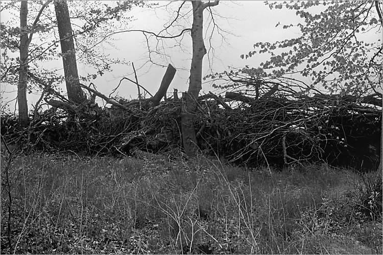 »Barrikade«, aus der Serie »Der Elmgeist«, Foto © Friedhelm Denkeler 1980