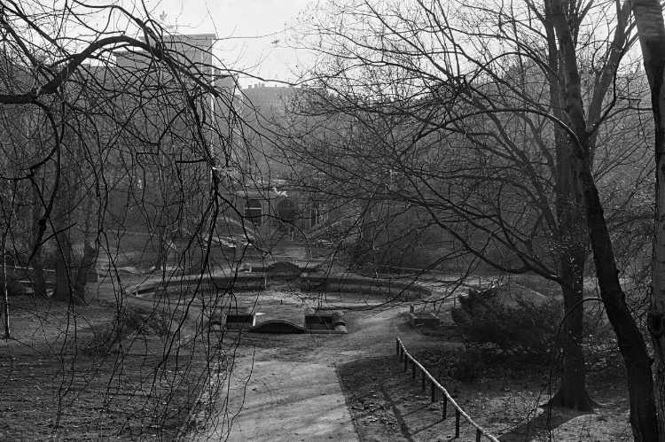 »Der Körnerpark in Neukölln«, Berlin, aus dem Portfolio »Harmonie eines Augenblicks«, Foto © Friedhelm Denkeler 1978