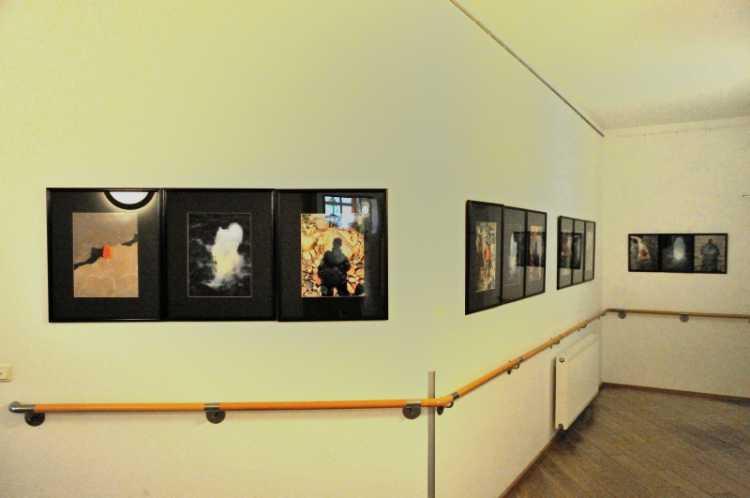Das Portfolio »Ich Binz« in der Ausstellung im »Katharinenhof«, Foto © Friedhelm Denkeler 2013