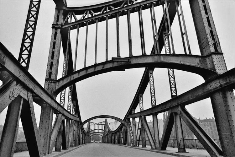 »Swinemünder Brücke ('Millionenbrücke')«, aus dem Portfolio »Im Wedding«, Foto © Friedhelm Denkeler 1977