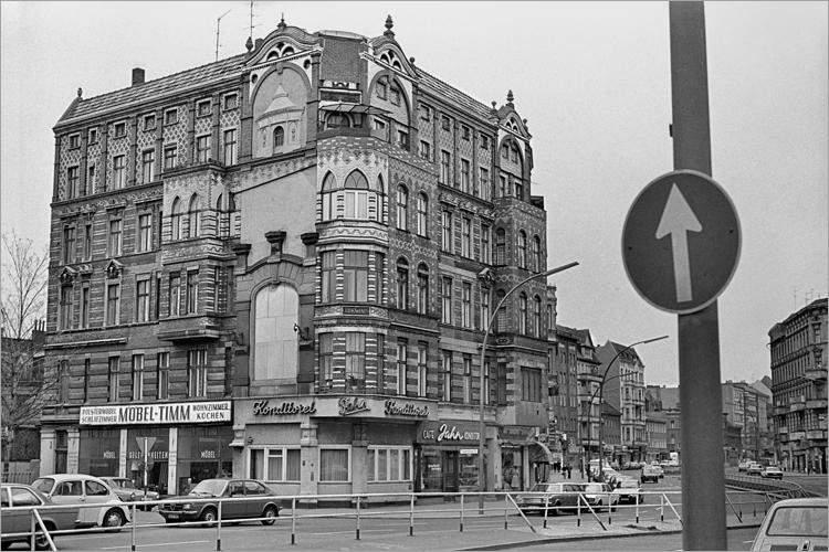 »Weddinger Eckhaus«, aus dem Portfolio »Im Wedding«, Foto © Friedhelm Denkeler 1978