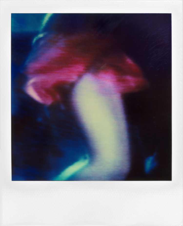 »Lady In Red«, Polaroid SX-70, Foto © Friedhelm Denkeler 1990