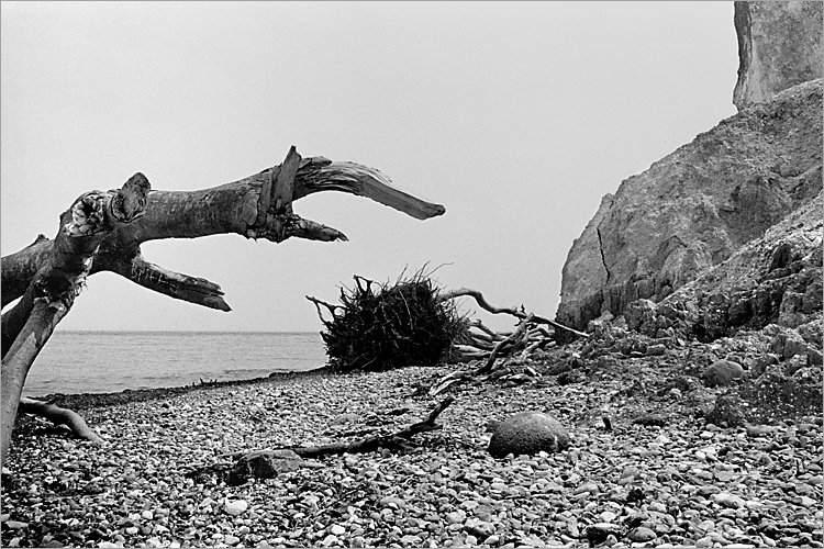 »Angriff aus dem Meer«, aus dem Portfolio »Møns Klint«, Foto © Friedhelm Denkeler 1983