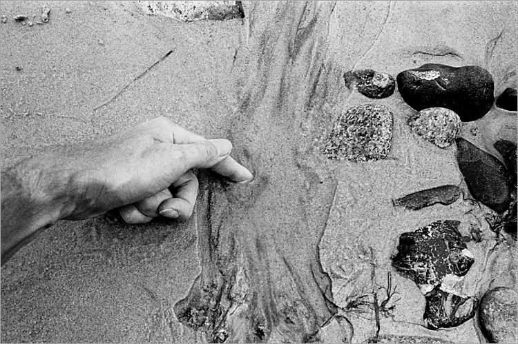 »Fingerzeig«, aus dem Portfolio »Møns Klint«, Foto © Friedhelm Denkeler 1983