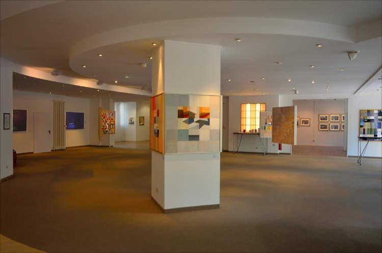 Blick in die Ausstellung »momenta« im Roxy-Palast Berlin-Friedenau, Foto © Friedhelm Denkeler 2018