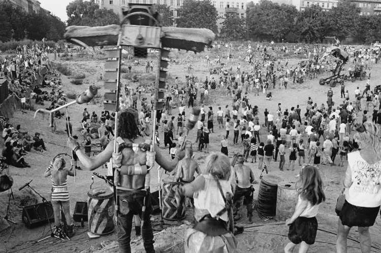 »Ein wilder Tag in Kreuzberg: 3 Der Mittag«, Foto © Friedhelm Denkeler 1989