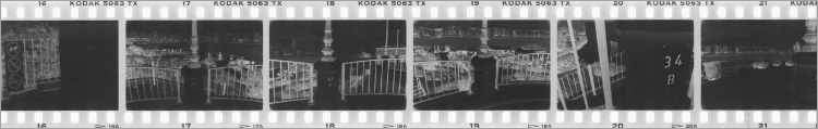 KODAK Tri-X 400-Filmstreifen aus »Sechsunddreißig Tower«, Malta, Foto © Friedhelm Denkeler 2001