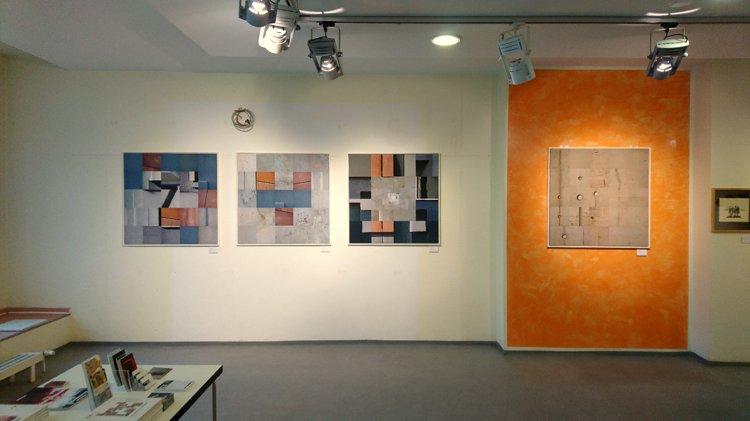 »Blick in die momenta-Ausstellung in Cottbus« , Foto © Horst Hinder 2019