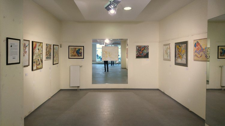»Blick in die momenta-Ausstellung in Cottbus«, Foto © Horst Hinder 2019