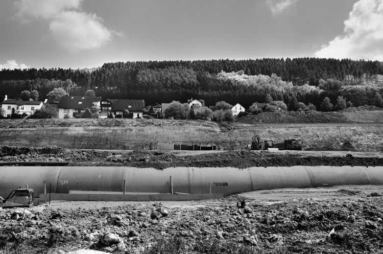 »Verlegung des Rammsiepenbaches«, aus dem Portfolio »Köbbinghauser Hammer«, 2014, Foto © Friedhelm Denkeler 2010