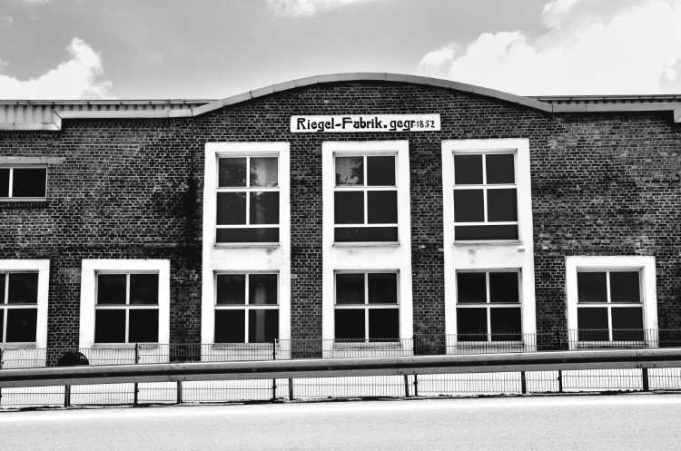 »Riegel-Fabrik«, aus dem Portfolio »Köbbinghauser Hammer«, 2014, Foto © Friedhelm Denkeler 2010