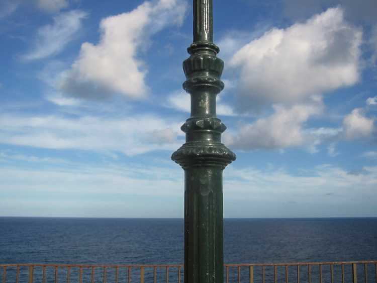 Aus dem Portfolio »Mittig«, Puerto de Soller, Foto © Friedhelm Denkeler 2003