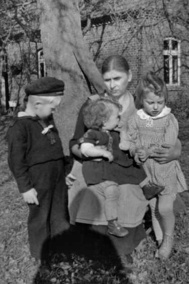»Wilhelmine Meinert«, Hof Kalkhake, Varl/Ost-Westfalen, 1940, Archiv © Friedhelm Denkeler