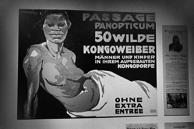 Aus dem Portfolio »Macht zuviel Sex verrückt?«, Kapitel 6: »Fünfzig wilde Kongoweiber«, Foto © Friedhelm Denkeler, 1999