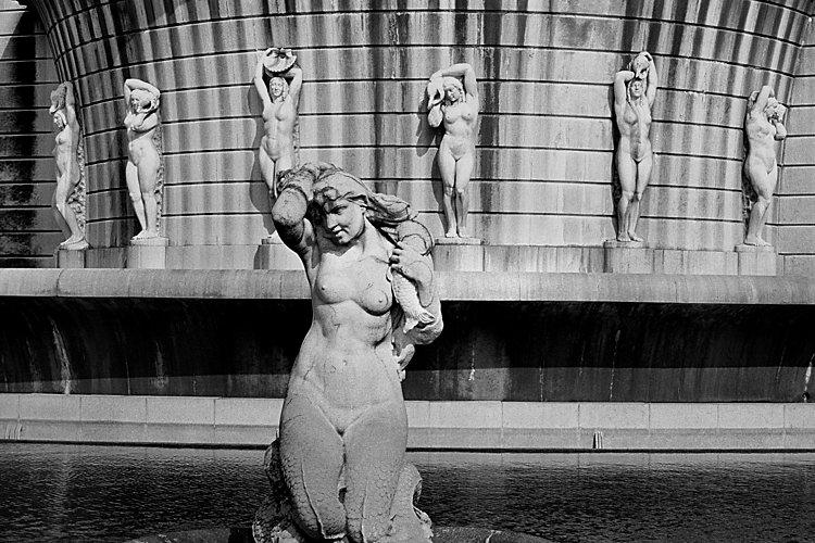 Aus dem Portfolio »Macht zuviel Sex verrückt?«, Kapitel 1: »Im Lustgarten«, Foto © Friedhelm Denkeler, 1986