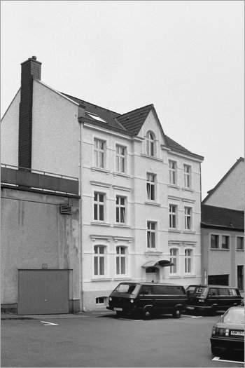 »Handweiserstraße Nr. 4 in Lüdenscheid«, heute Teil der Werdohler Straße, Foto © Friedhelm Denkeler 1992