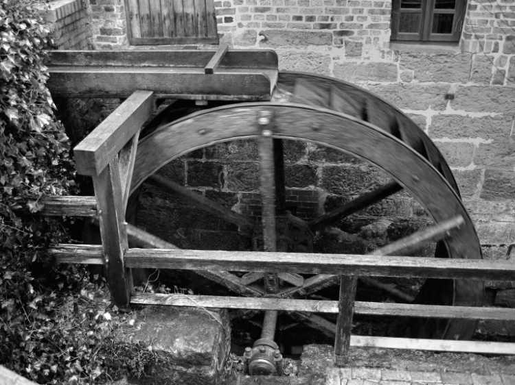 »Wassermühle Bergkirchen«, Mühle Nr. 36 (Wassermühle), Mühlental 12, 32519 Bad Oeynhausen-Bergkirchen, Foto © Friedhelm Denkeler 2006